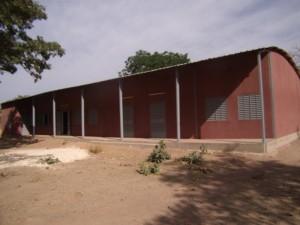 Schulgebäude in Larama