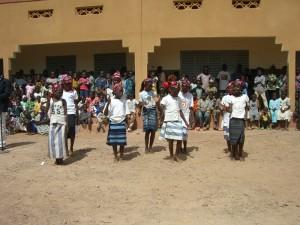 Schuleinweihung Tanz Mädchen