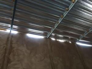 Blechdach der Schule