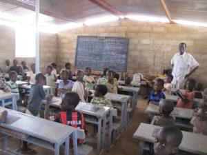 Unterricht im neuen Klassenzimmer