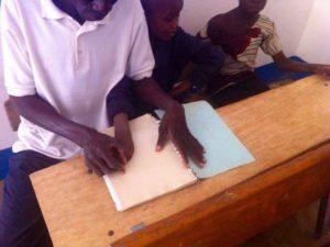 Blindenschrift lesen lernen
